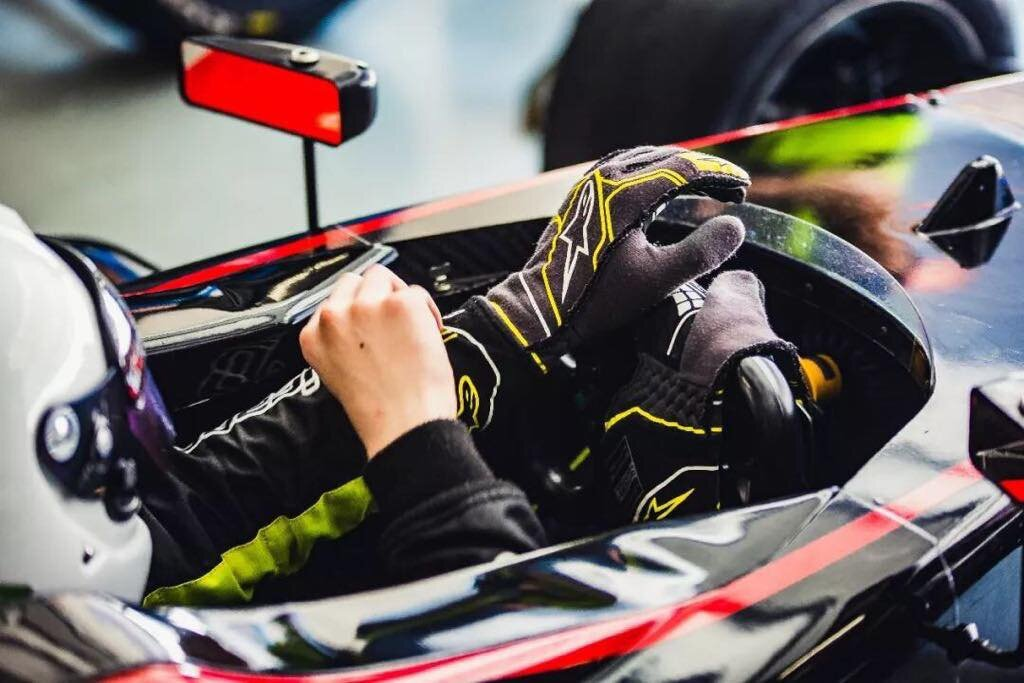 Victory lap for Conrad Clark - CHINESE FORMULA 4