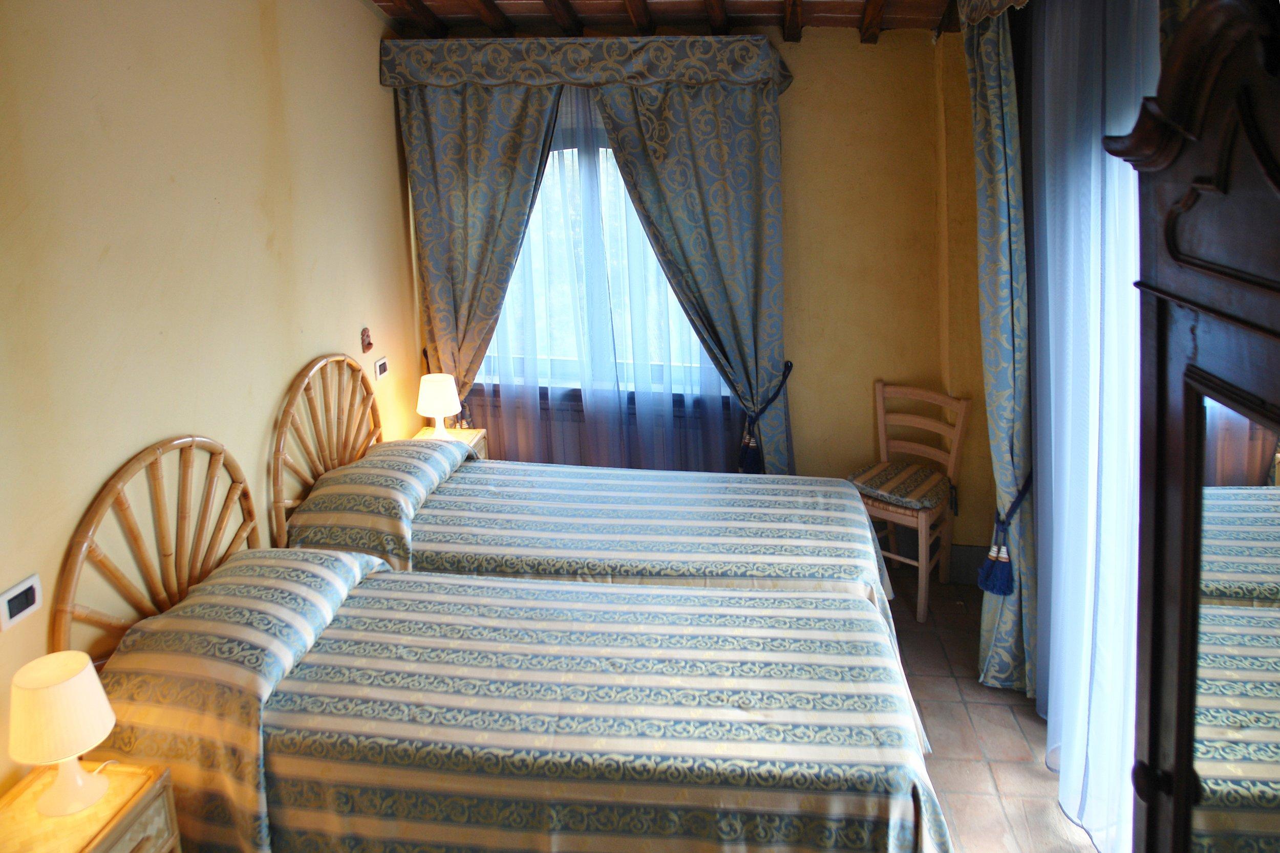 twin bedded room.JPG