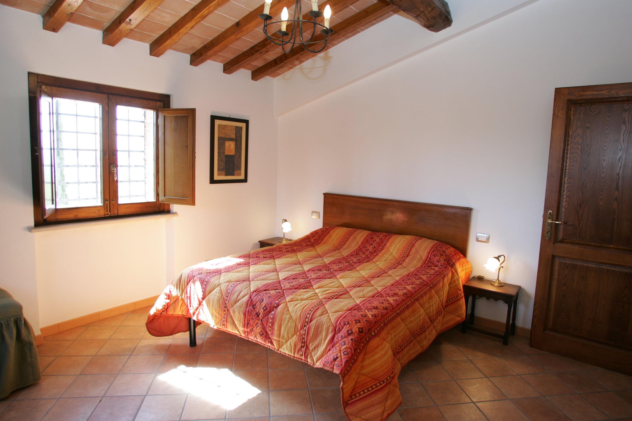 Cerqua.bedroom.JPG