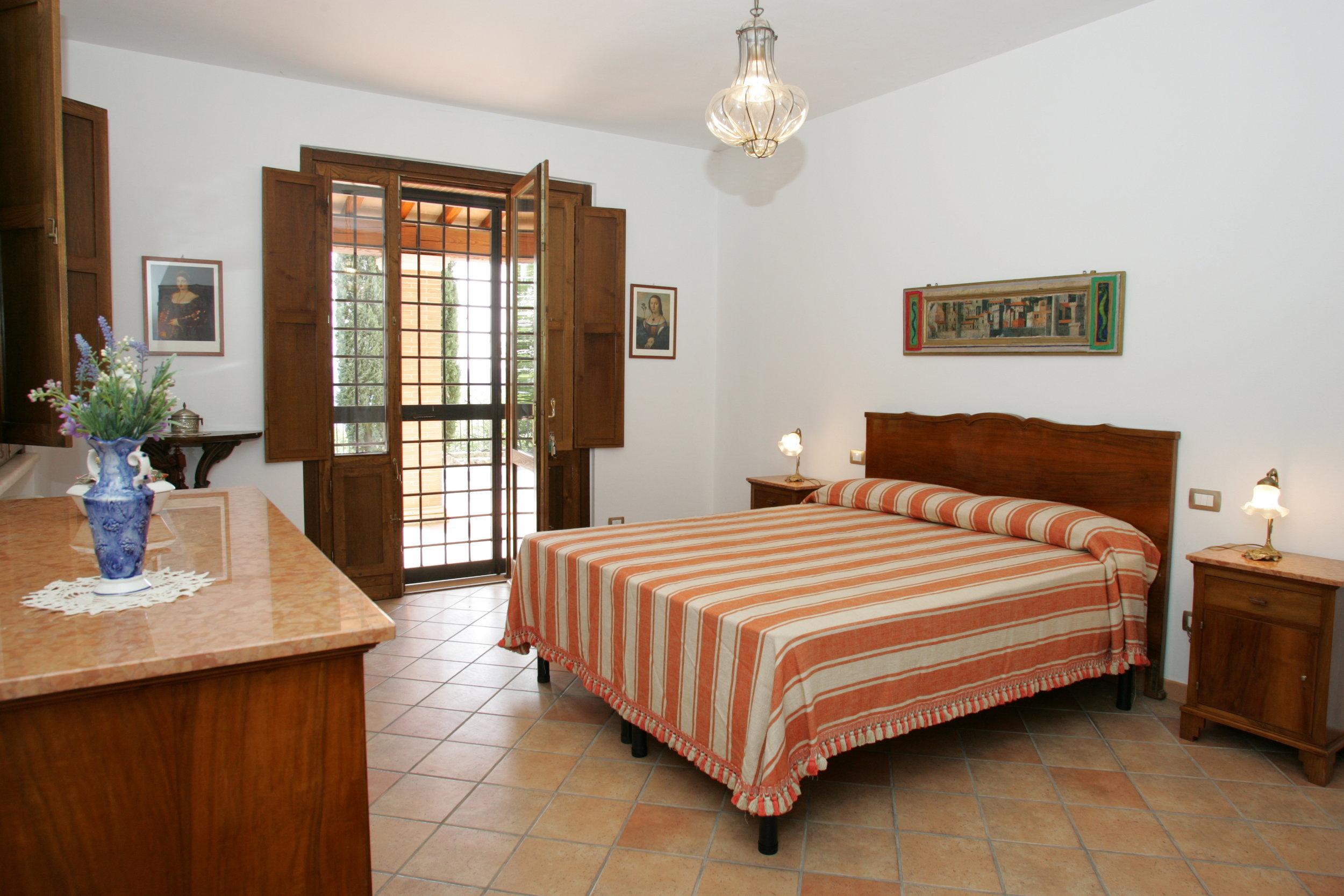 Ulivi.bedroom.JPG