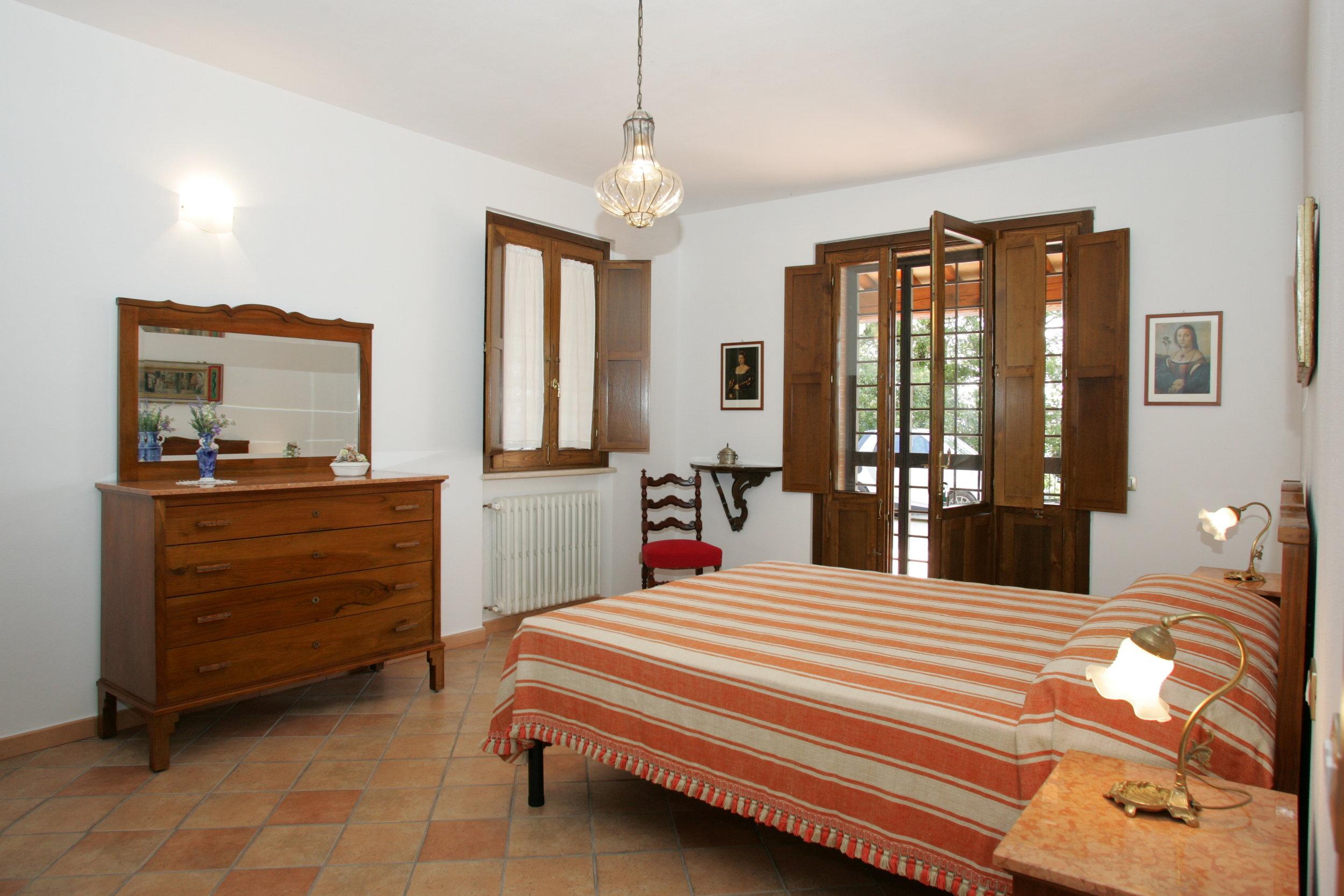 Ulivi.bedroom1.JPG