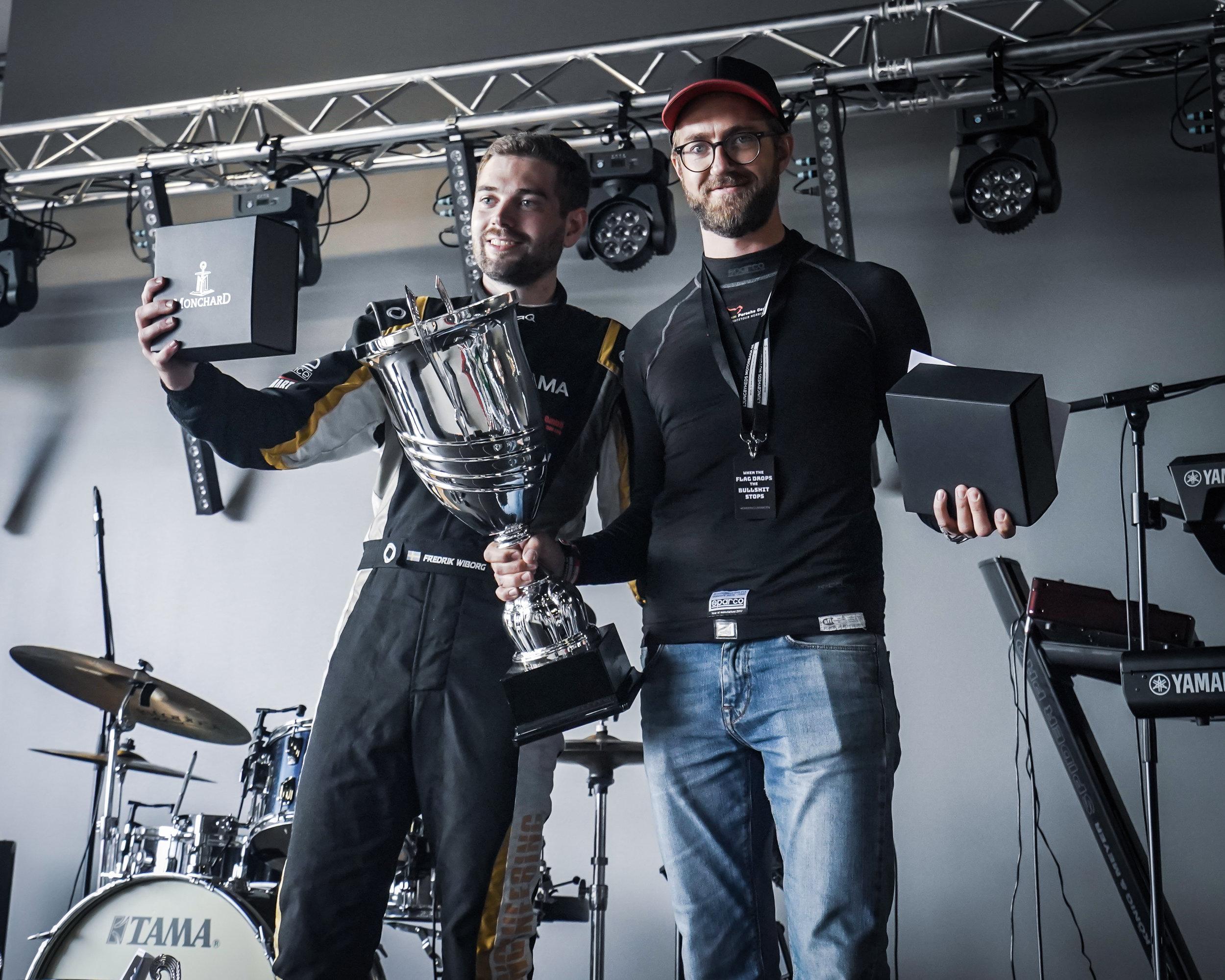 Fredrik Wiborg (segrare Slicks och Nytt banrekord) och John Larsson (segrare R-däck och Totalsegrare)