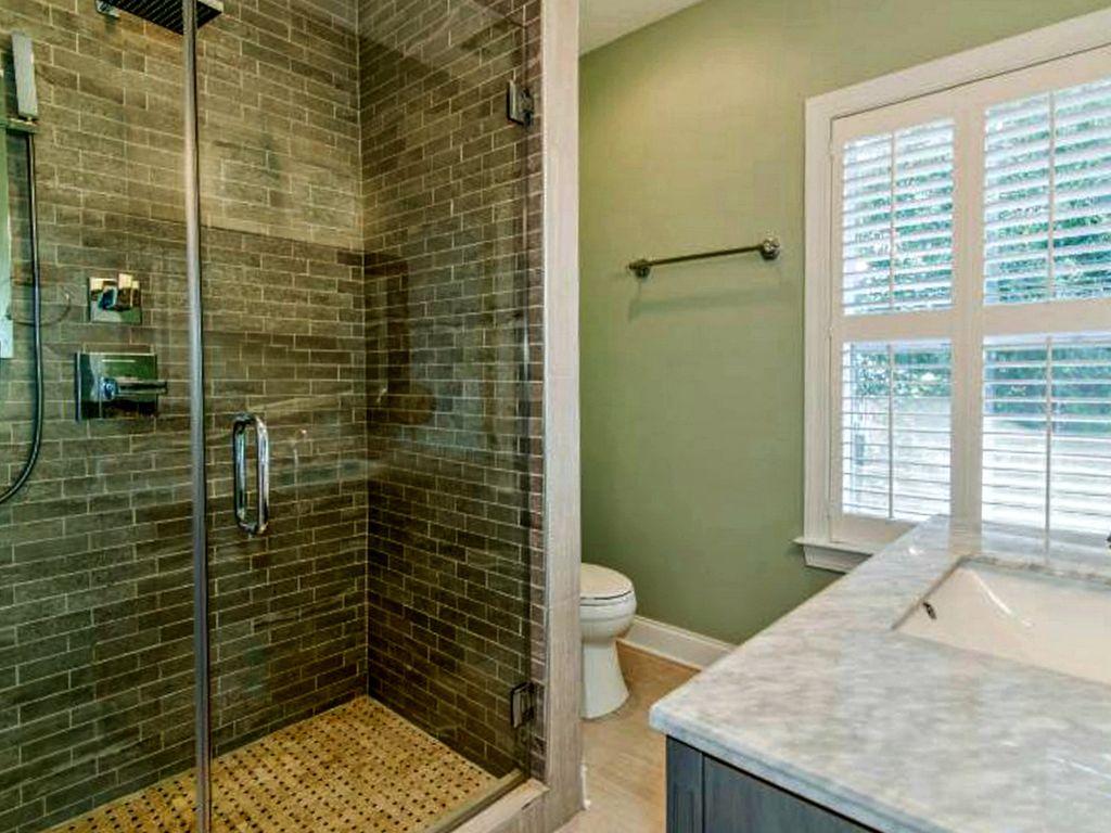 Master left shower.jpg