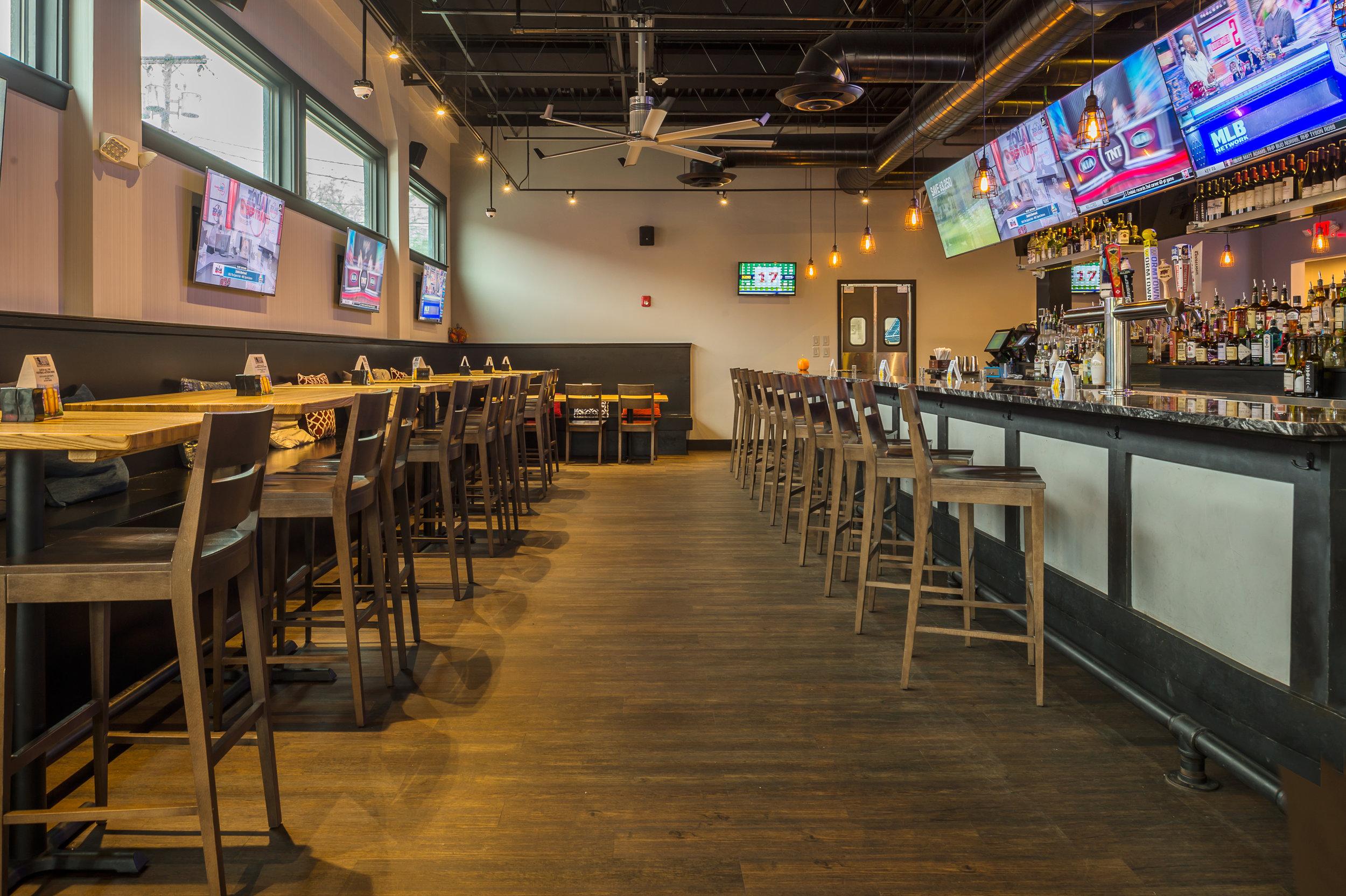 Bates Bar and Grill-4.jpg