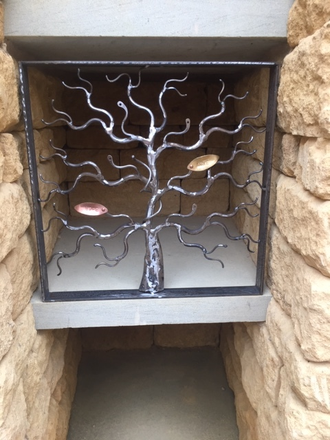 Tree design, niche cover