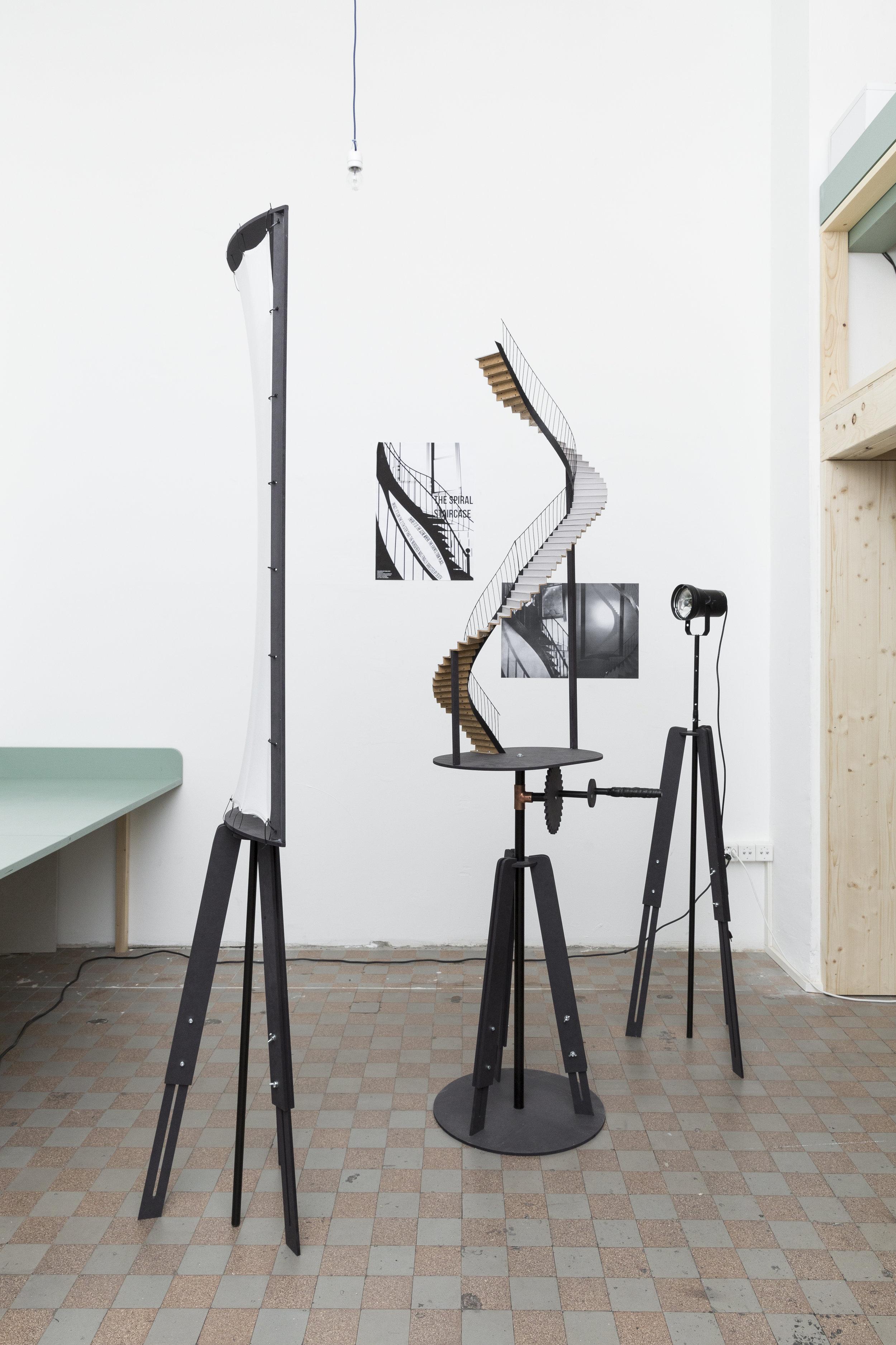 Projet  Scene de menage outils de la vie domestique.Machines a voir; Atelier de Youri Kravchenko; Projet d' Estelle Beroujon et Camille Berra (3).jpg