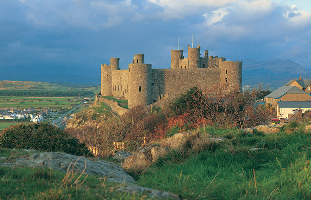 harlech castle (Photo credit: https://cadw.gov.wales)