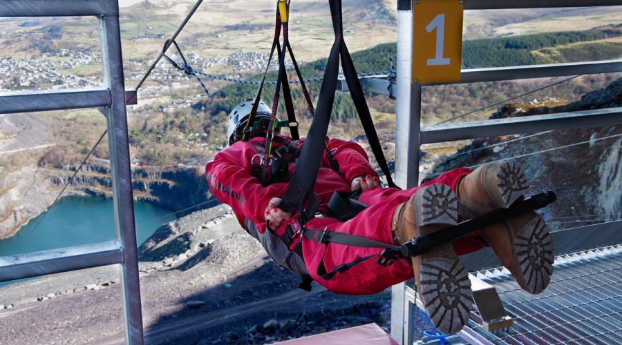 ZIPWIRE VELOCITY (PHOTO CREDIT: ZIPWORLD.CO.UK)