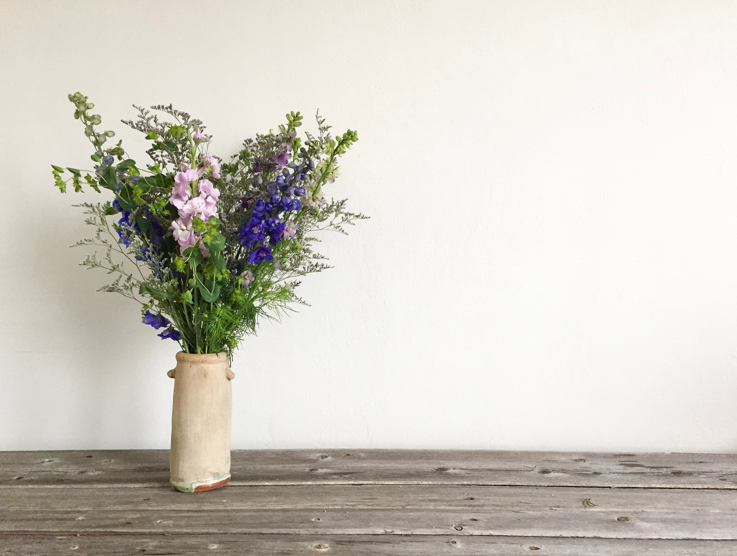 Floral Workshops - Looking for a fun activity to do with friends or family? Want to learn to create beautiful, seasonal bouquets? We provide workshops and events you can hold in the comfort of your home, business or school!