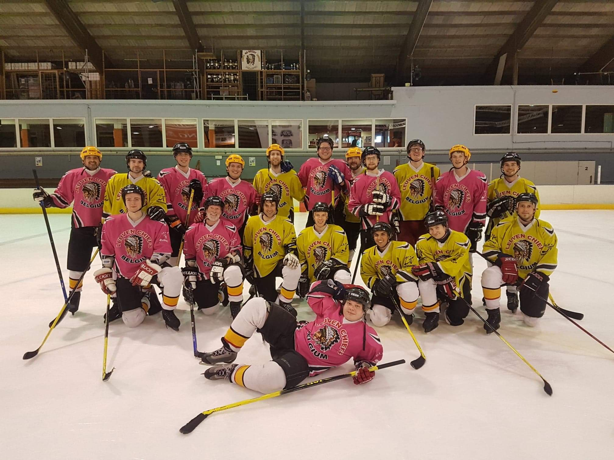 The latest VisionWorks teambuilding event was ice hockey!