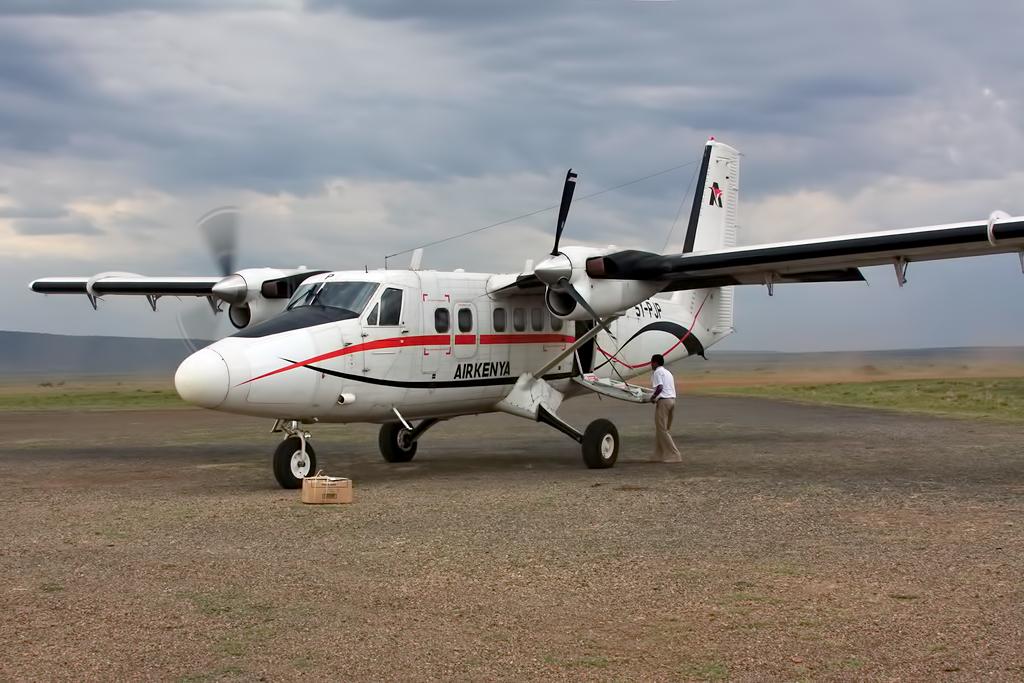 MSN 424 - DHC-6-300 5Y-PJP Air Kenya  Thomas Steffen Photo ©