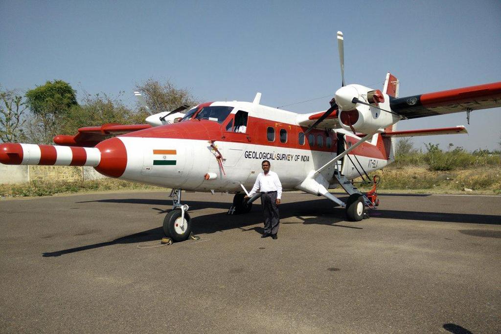MSN 825 - DHC-6-300 VT-ELX Geological Survey of India  Mandapalli Raju Photo ©