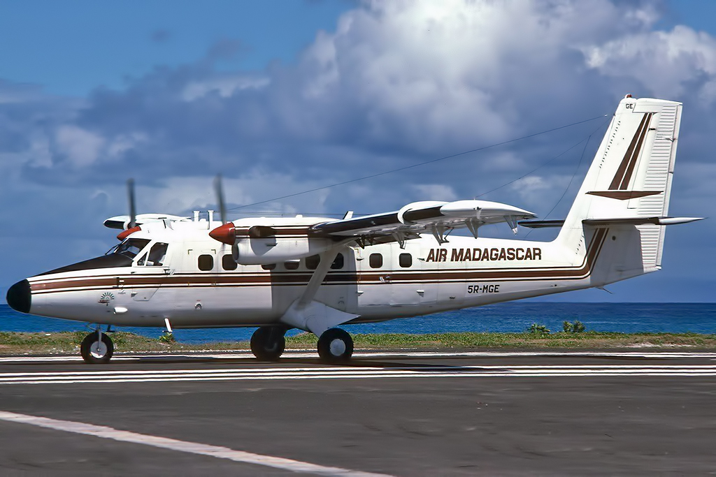 Madagascar Aviation Photo  © Sainte-Marie 1995