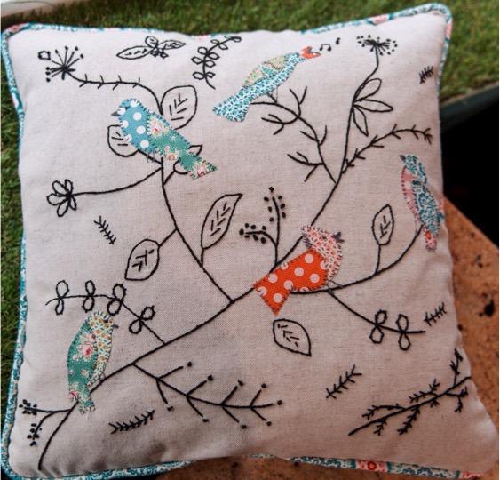 applique bird cushion.jpg