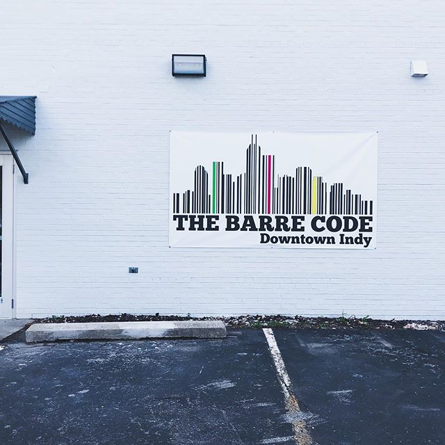 We tried our first @barrecode_downtownindy class yesterday and LOVED it! ⁣💗 ⁣ The studio is so cute & the instructors were upbeat and encouraging during class. Plus the studio is owned by one of our WIGI features, Jen Chow (check her story out on the blog). ⁣ .⁣ .⁣ 💪🏼👯‍♀️for all of our Work It Girls⬇️⁣ Use the code workitgirl10 to SAVE $10 when singing up for the Founding Membership!