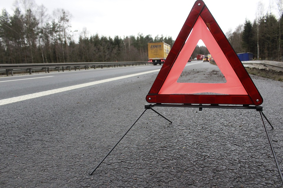 warning-triangle-1412348_960_720.jpg