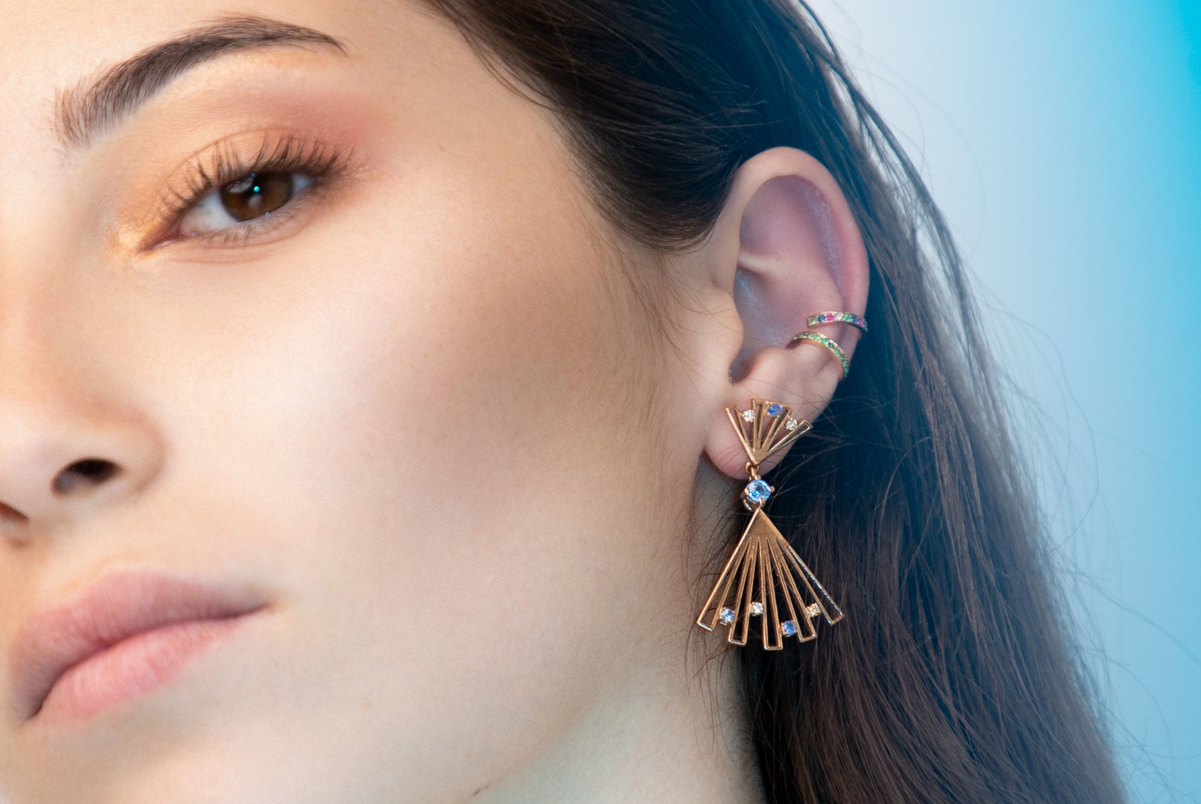 Panka  earring a modular earring that can be worn in two lengths and transforms into a pendant