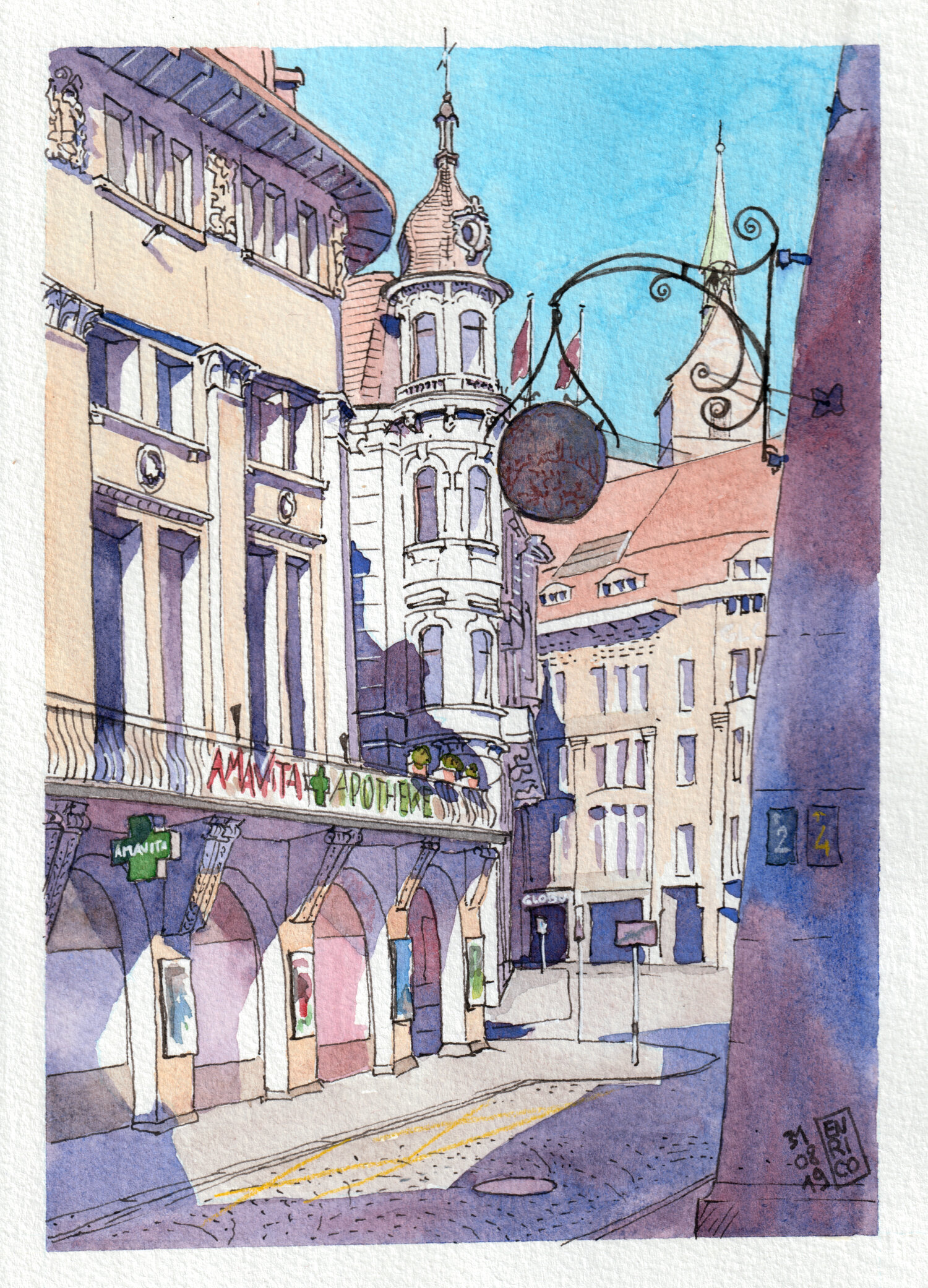 I love the Liberty-style buildings around Marktplatz, but I am too shy to sit and draw in the middle of the square. So I found an hidden corner and sketched one of the entrances of the square.