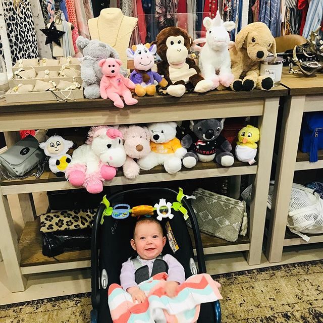 When the cutest cuddly adventurers are dropped off by the cutest little lady at @stylejunkyboutique 🙏❤️🧸#cuddles #bearlybears #teddybear #love #kindness #weareone #orphans #orphanages #upcycle #makeadifference #childrensmentalhealth
