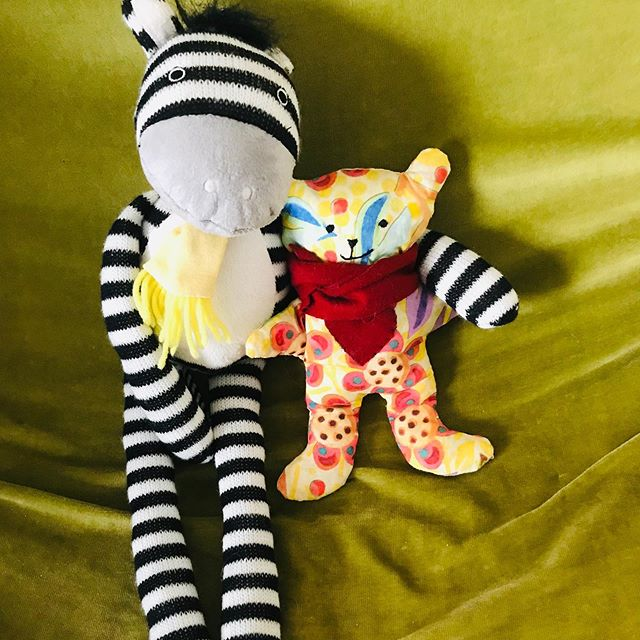 Still missing his best friend! 😢 please help get him home, share share share..🙏🙏 meanwhile he's taking it easy with Charlie a beautiful hand made gift from @designconfections @promotingtrafford @lifeinsale @traffordcity @traffordleisure #saletowncentre #reunitefriends
