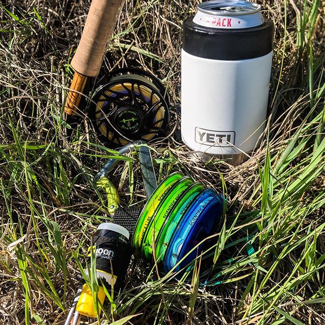Minimalist essentials @adam_fishes #flyfishing #bowriver #alberta #dryfly #explore #supportyourlocalflyshop #flyfishingjunky #wildernessculture #browntrout #rainbowtrout #trout #ironbow #fishingdaily #yyc #fishcalgary #fishyyc