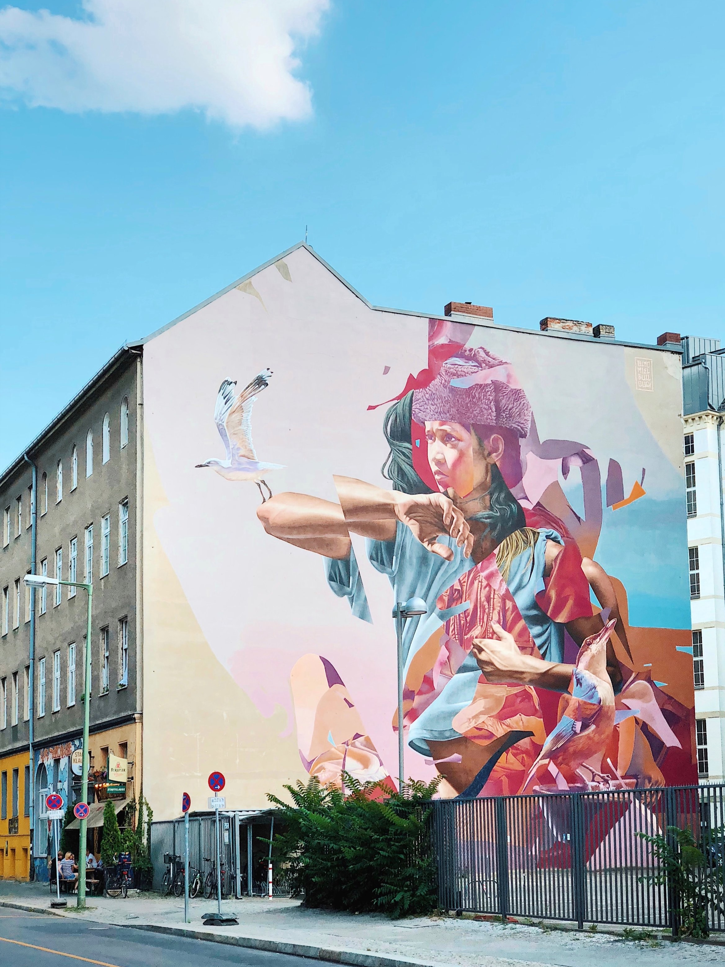 TRANSFORMING SPACES-MURAL ART AND DESIGN - Explore, document and create a transformation on the urban spaces!