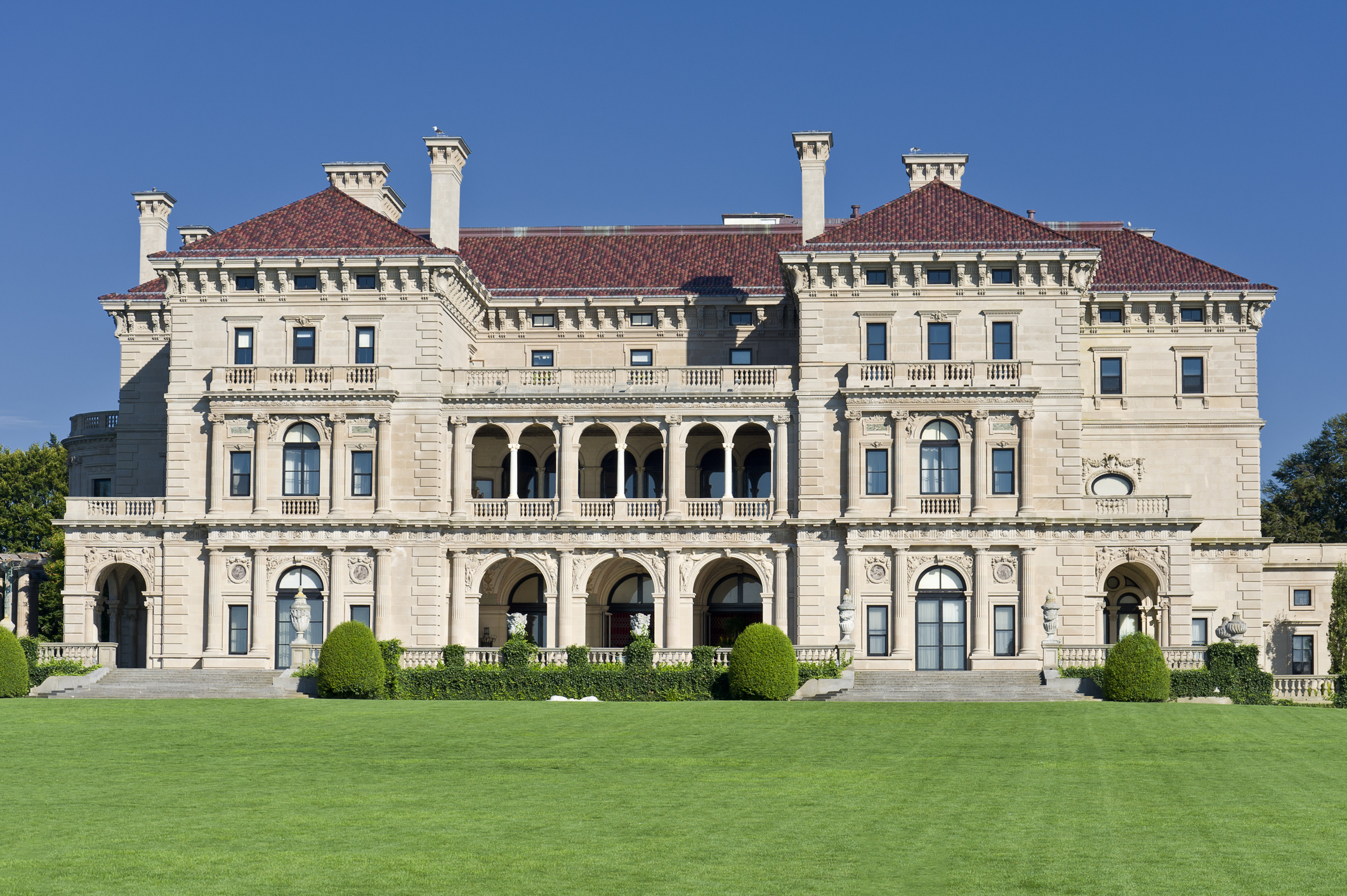 Newport - Visit gilded age mansions