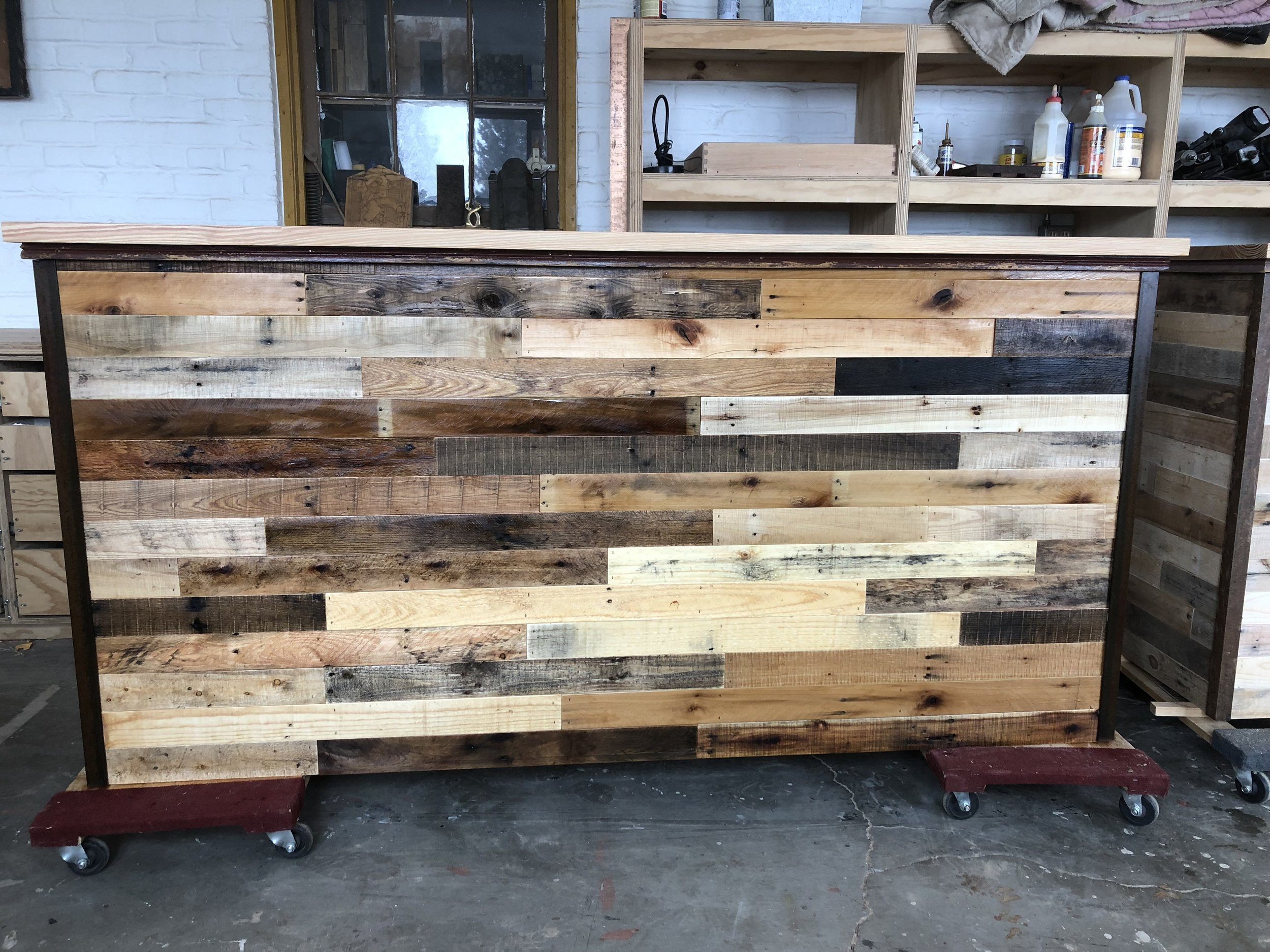 Custom bar using reclaimed pallet wood