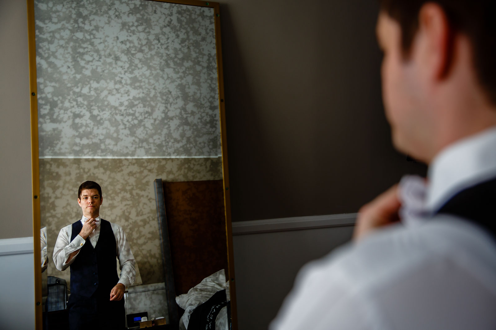 NYIT de Seversky Mansion Wedding groom gets ready