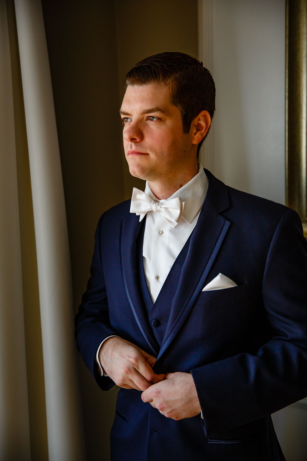 NYIT de Seversky Mansion Wedding groom's portrait