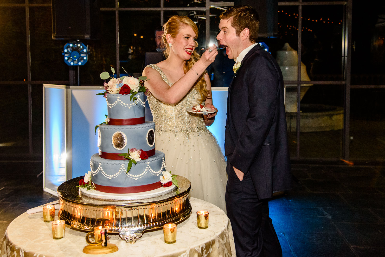 NYIT de Seversky Mansion Wedding cake cutting