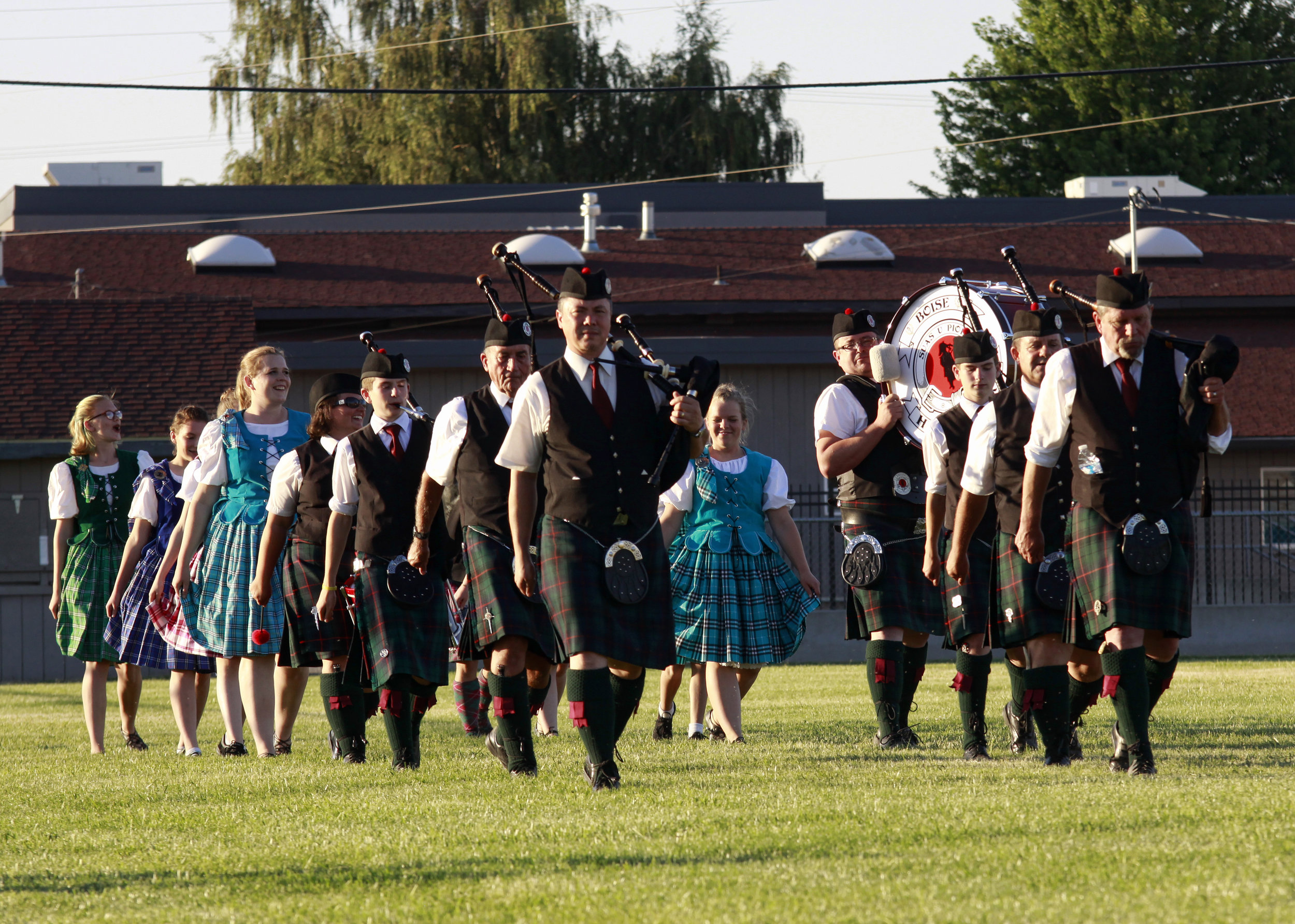 Caledonian_2018_Pipes and Dancers.jpg