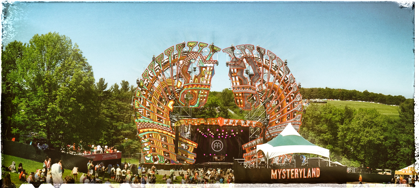 Mysteryland_Logo_Stage_FromFar_Color1.jpg