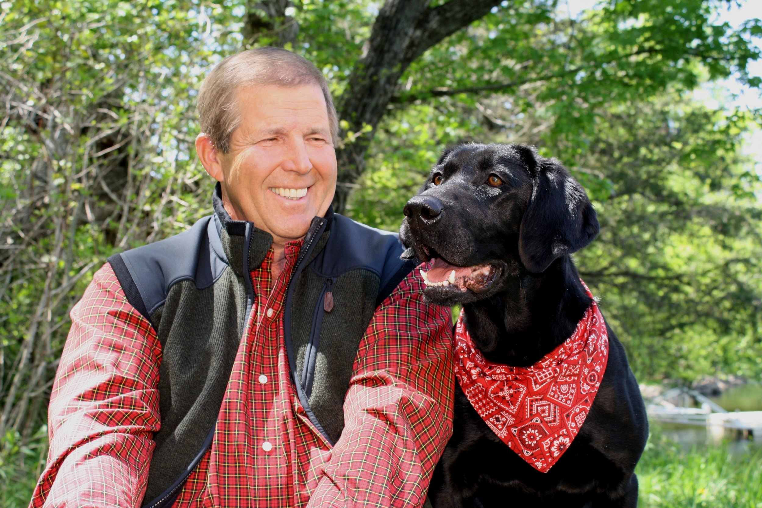 Ron Schara and Raven the Black Lab