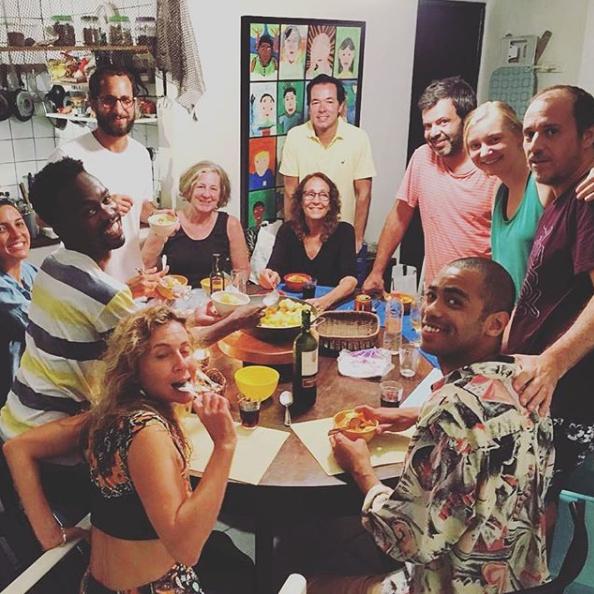 grupo-artistas-cozinha.jpg