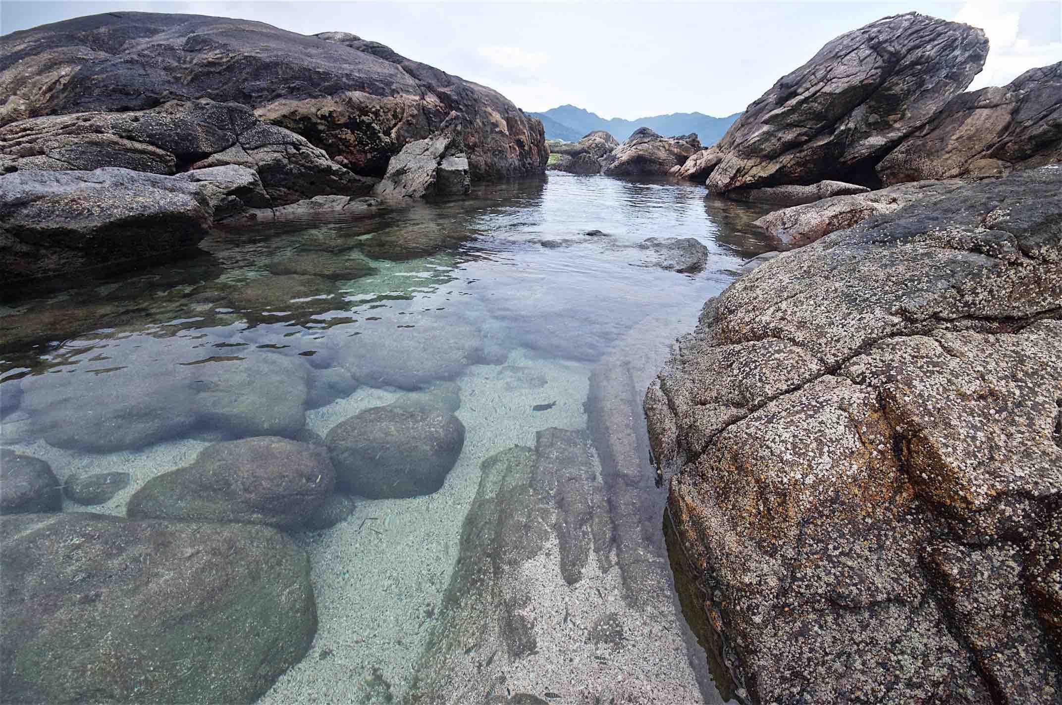 piscina-no-mar-ilha-boicucanga.jpg