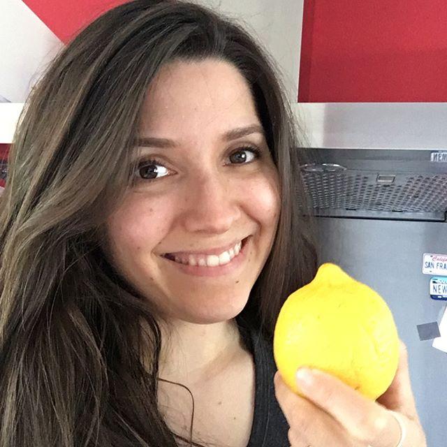"""When it's this hot outside, what drink do you enjoy to cool down?⠀⠀⠀⠀⠀⠀⠀⠀⠀ ⠀⠀⠀⠀⠀⠀⠀⠀⠀ Give me lemon water, and I'll be your guest!⠀⠀⠀⠀⠀⠀⠀⠀⠀ We say that food is much more than that. It also brings emotions, and lemon is in my blood 😄. My mom is from Sicily, and lemon should be the national fruit!⠀⠀⠀⠀⠀⠀⠀⠀⠀ I've eaten the best lemon ice creams while on holidays there. Think of it: """"gelato al limone"""", """"granita"""" yummy!⠀⠀⠀⠀⠀⠀⠀⠀⠀ ⠀⠀⠀⠀⠀⠀⠀⠀⠀ So drinking lemon water every day brings me joy, and I know it also helps my body to detoxify! Win-win!⠀⠀⠀⠀⠀⠀⠀⠀⠀ ⠀⠀⠀⠀⠀⠀⠀⠀⠀ And you, what's your ultimate refreshment?⠀⠀⠀⠀⠀⠀⠀⠀⠀ ⠀⠀⠀⠀⠀⠀⠀⠀⠀ 🍋🍋🍋🍋⠀⠀⠀⠀⠀⠀⠀⠀⠀ ⠀⠀⠀⠀⠀⠀⠀⠀⠀ Quand il fait chaud dehors, quelle boisson aimes-tu siroter pour te rafraîchir?⠀⠀⠀⠀⠀⠀⠀⠀⠀ ⠀⠀⠀⠀⠀⠀⠀⠀⠀ Sers moi de l'eau fraîche avec du citron et je serai ton invitée!⠀⠀⠀⠀⠀⠀⠀⠀⠀ On dit que la nourriture est bien plus que ça. Elle apporte aussi avec elle son lot d'émotions, de souvenirs et je dois dire que j'ai le citron dans le sang 😄! Ma maman est originaire de Sicile et le citron devrait en être le fruit national!⠀⠀⠀⠀⠀⠀⠀⠀⠀ J'ai mangé les meilleures glaces au citron de toute ma vie en vacances là-bas. """"Gelato al limone"""", """"Granita"""" miam!⠀⠀⠀⠀⠀⠀⠀⠀⠀ ⠀⠀⠀⠀⠀⠀⠀⠀⠀ Alors boire mon eau citronnée me fait du bien chaque jour mentalement mais aussi physiquement car j'aide mon corps à détoxifier!⠀⠀⠀⠀⠀⠀⠀⠀⠀ ⠀⠀⠀⠀⠀⠀⠀⠀⠀ Et toi, quelle est ta boisson préférée?⠀⠀⠀⠀⠀⠀⠀⠀⠀ .⠀⠀⠀⠀⠀⠀⠀⠀⠀ .⠀⠀⠀⠀⠀⠀⠀⠀⠀ .⠀⠀⠀⠀⠀⠀⠀⠀⠀ .⠀⠀⠀⠀⠀⠀⠀⠀⠀ .⠀⠀⠀⠀⠀⠀⠀⠀⠀ . ⠀⠀⠀⠀⠀⠀⠀⠀⠀ #eatyourgreens #healthyfoodlover #healthyfoodchoice #eatyourgreensdaily #nutritiontips #foodandlifestyle #busymoms #busymomlife  #busymomtips #busymomma #respectyourbody #respectyourselffirst #detoxifyyourbody #naturegetsitright #nourishyourbody #nourishyourbodyandmind #ineedacoach #nourishyourbodywithnature #healthyfoodandlifestyle #healthylifestyle #powerofplants #overwhelmedmom #socialcuratorchallenge"""