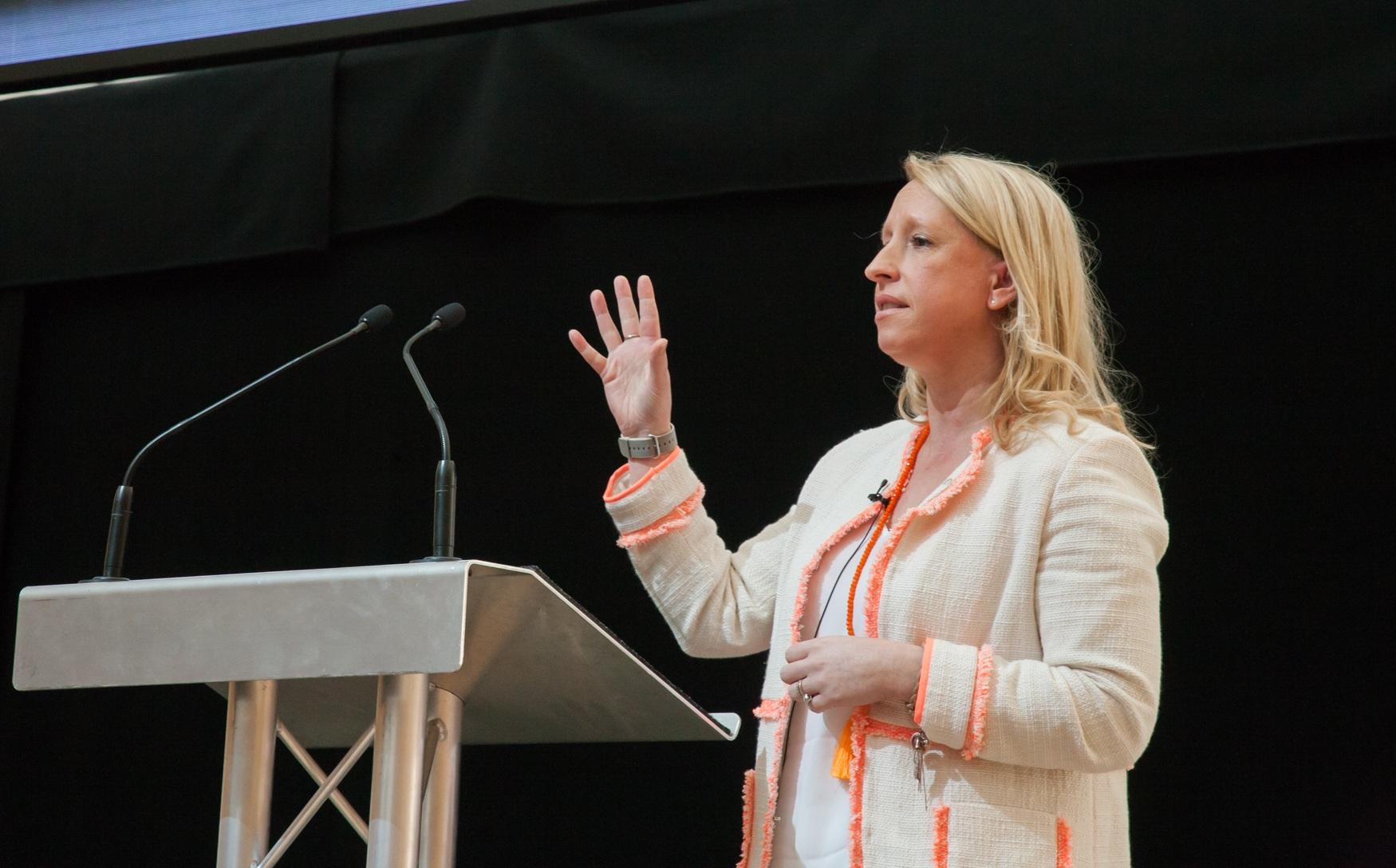 Amanda+Reynolds+Global+Partnership+Director+Executive+Search+UK.jpg