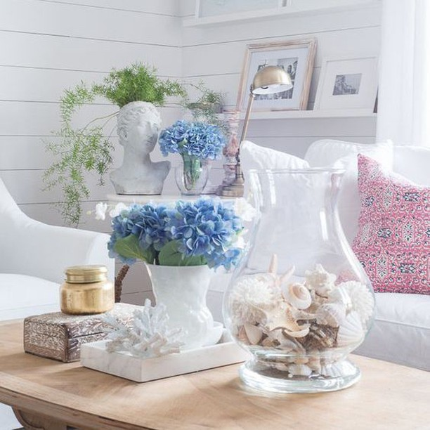 Did you know that almost anything can look good if you group enough of them together when it comes to accessorizing? Common objects like stones, shells or pinecones make great accessories (If you gather enough of them and display them in an attractive bowl).⠀⠀⠀⠀⠀⠀⠀⠀⠀ Go to my new website to download the FREE guide (Link in bio)⠀⠀⠀⠀⠀⠀⠀⠀⠀ #interiordesign #coastal #homedesign #accessories #shells #interiordesigner #decoration #style #inspiration #interiorstyling #rose #realestate #livingroom #lifestyle #flowers #livingroom #coffeetable #instahome #homestyle #interiorinspo #interiordecorating #interiorinspiration #luxurylifestyle #living #designinspiration #interiorstyle #instadecor #miamiinteriordesigner #accessorizing #interiorstylist