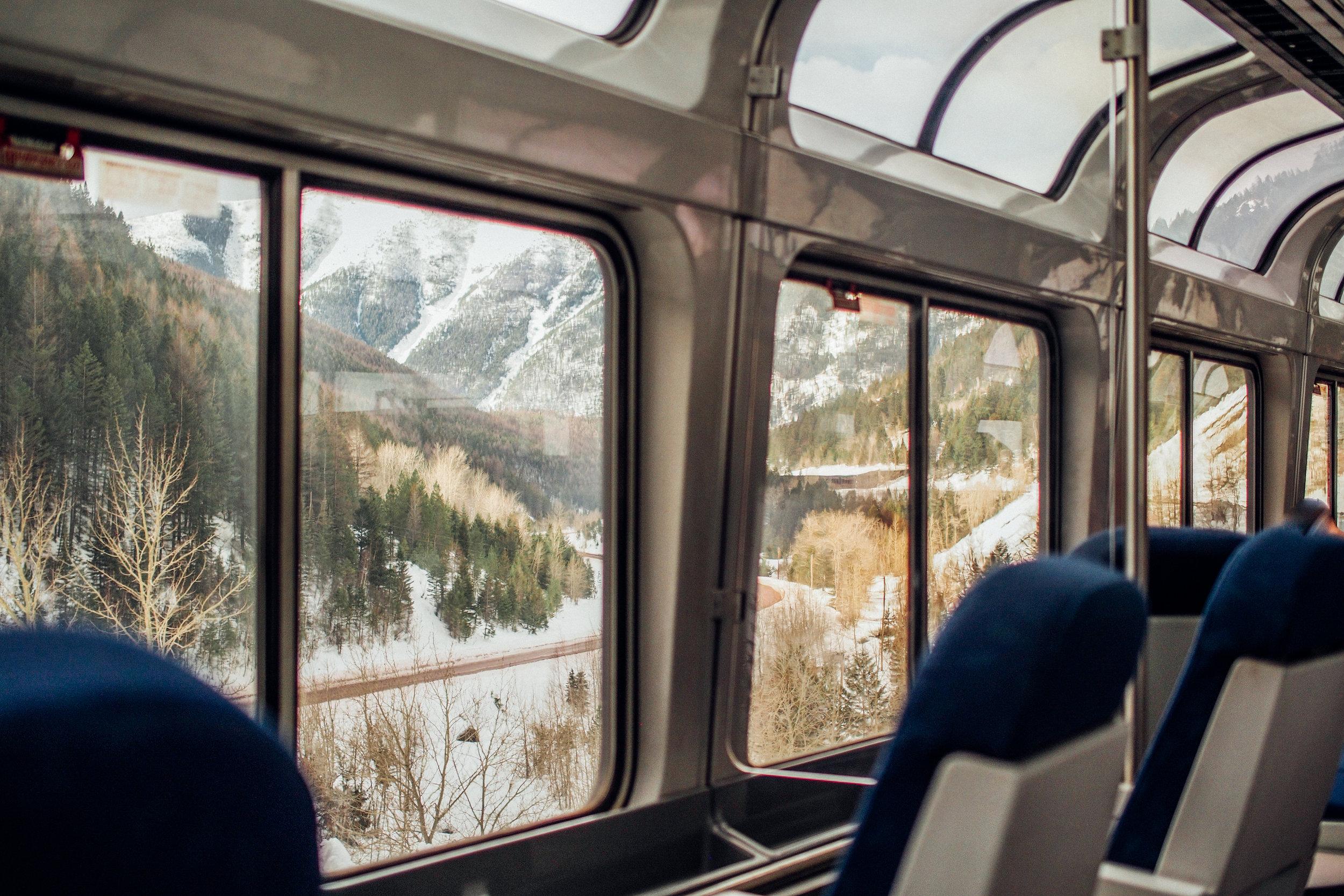¿Qué trenes tomar? - Existen varios trenes que sirven estas rutas entre ellos: el Empire Builder, el California Zephyr, el Southwest Chief, y el Texas Eagle.