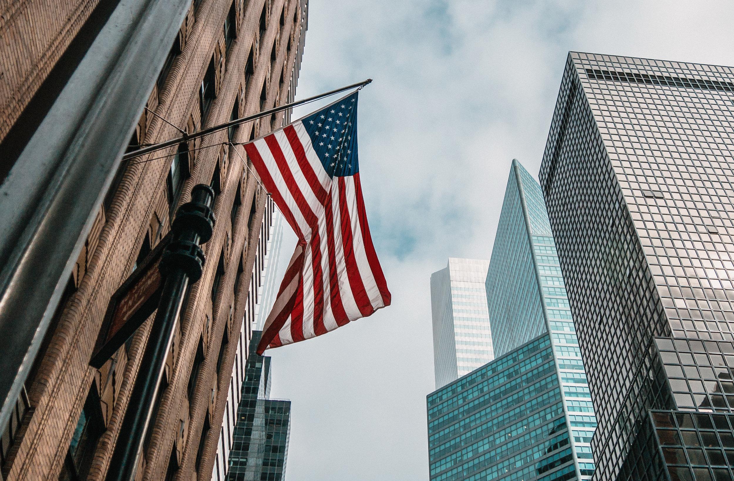 Estados Unidos - La legislación federal sobre las aerolíneas, en cuanto a servicio al cliente, en los Estados Unidos es muy laxa. Al final, vendrá a ser muy relevante la calidad de servicio al cliente que ofrezca cada aerolínea.
