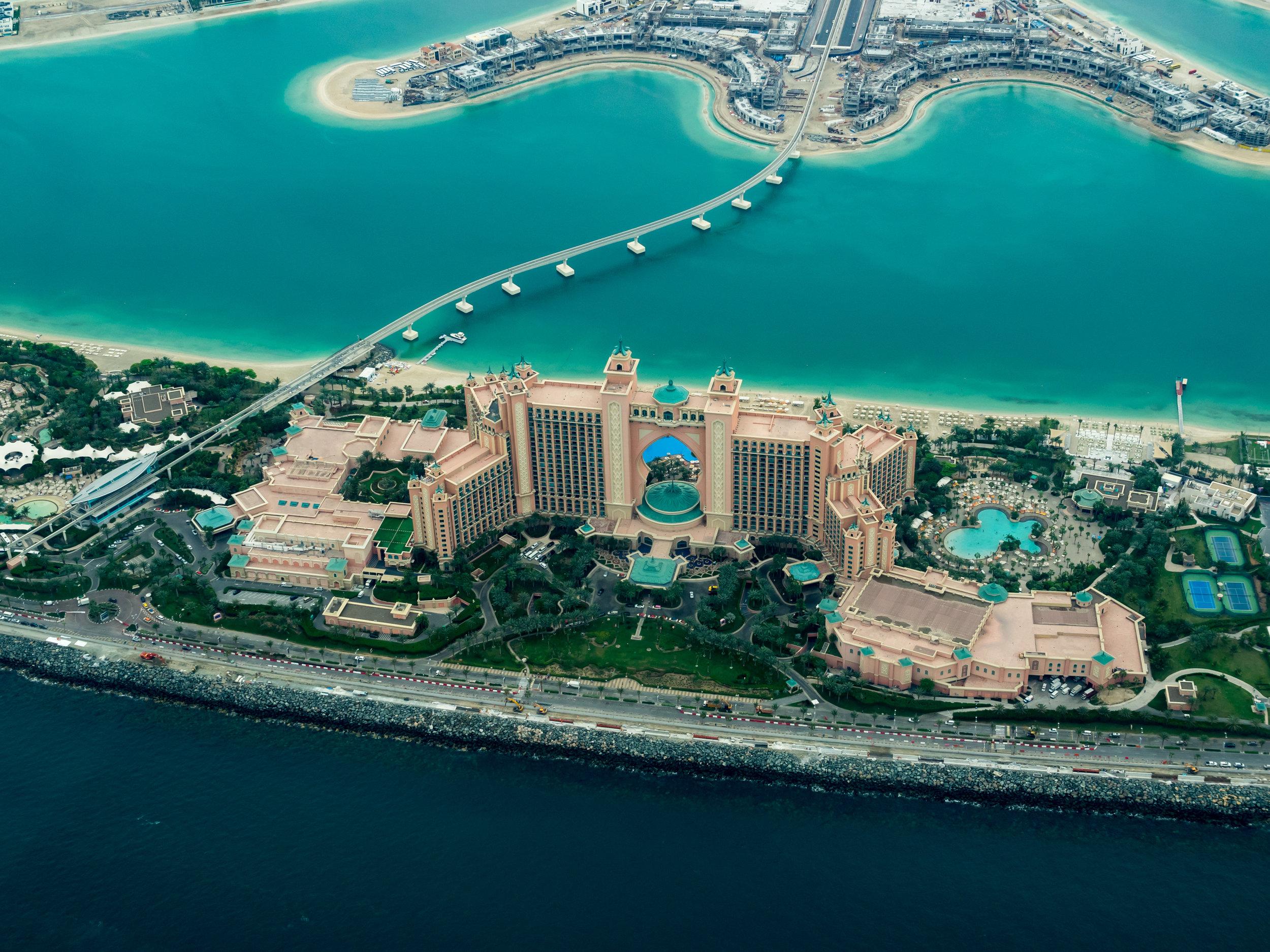 Aquaventure Waterpark, Atlantis Hotel - ¿Sabías que puedes entrar gratis al parque acuático del Hotel Atlantis una vez al año? Sí, cualquier persona puede hacerlo el día de su cumpleaños. Si viajas para esa fecha te ahorrarás aproximadamente 94 dólares.