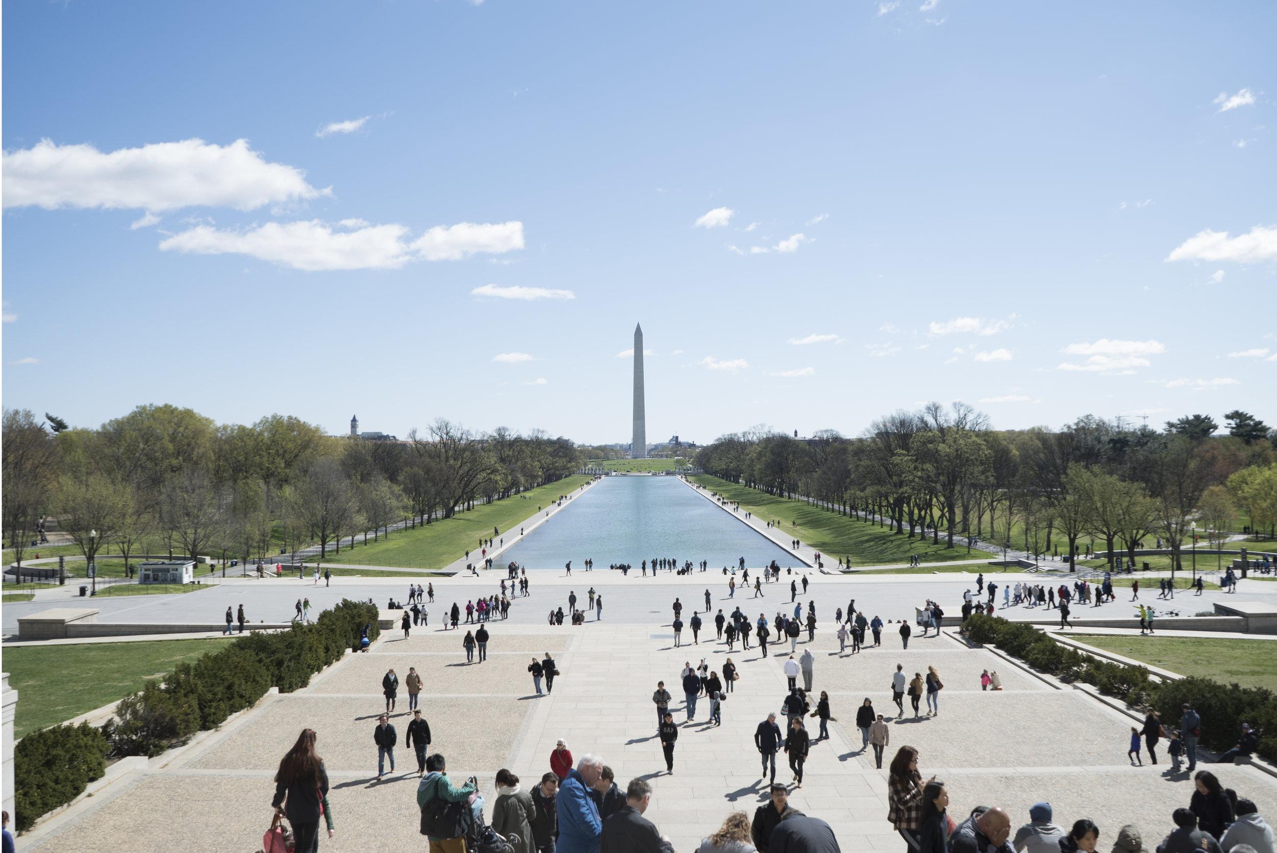 Washington DC - La ciudad bonita, como se le conoce arquitectónicamente a la capital estadounidense, es siempre una excelente opción para escaparse con los amigos. Una ciudad llena de museos, los cuales en su inmensa mayoría son gratuitos, que la posicionan entre una de las mejores ciudades en calidad y diversidad de ofrecimiento cultural de todo Norteamérica. Aunque DC es una ciudad costosa, es más barata que otras como New York.
