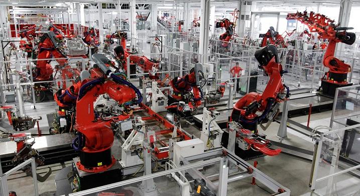Adidas robotfabrik tillverkar skor på löpande band. Bild från Adidas.