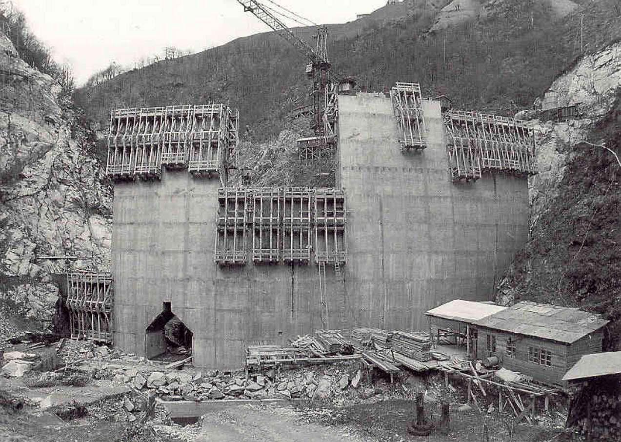 1967-costruzione-nuova-diga-Morobbia.jpg