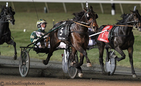 Pinkman storms to victory for Yannick Gingras