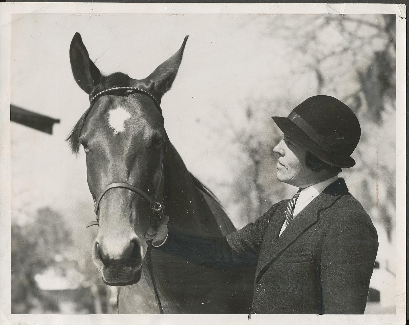1935 Mary Reynolds and.jpg