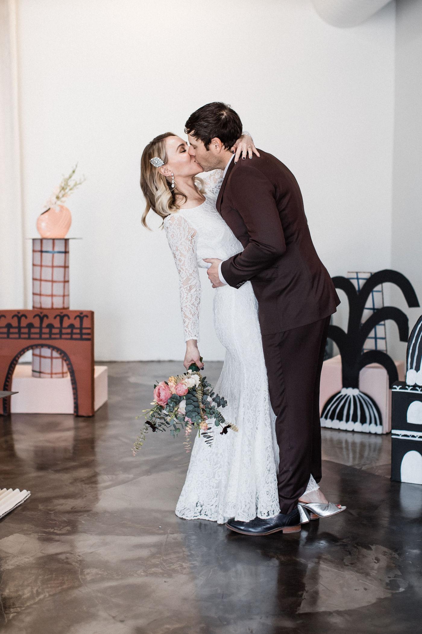 midcentury modern las vegas wedding chapel00018.jpg