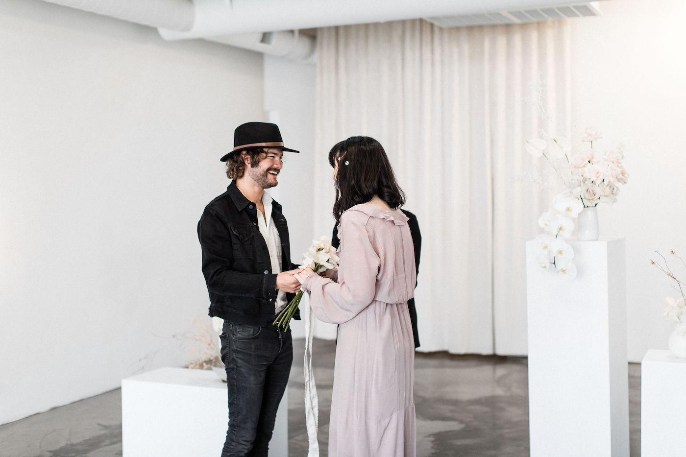 minimalist las vegas wedding chapel00007.jpg