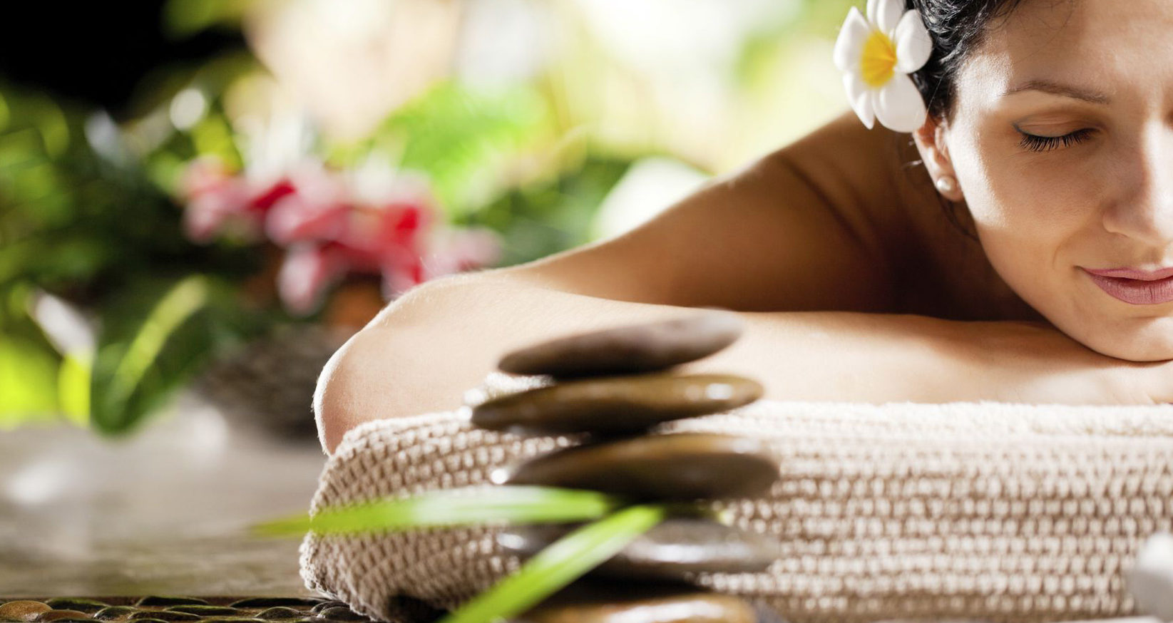 AromaSpa Salon & Boutique - Visit AromaSpa for massages or our full service organic salon which specializes in Hair, Makeup & Skin Care.